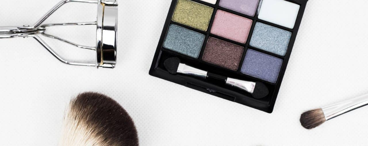 Beauty & Makeup Freebies for Canadians